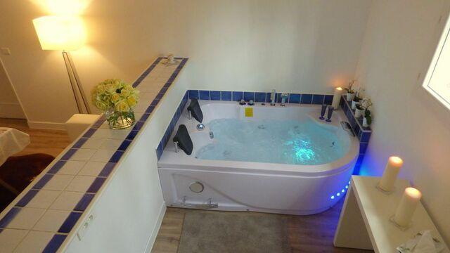 Faites couler un bain dans votre baignoire balnéo
